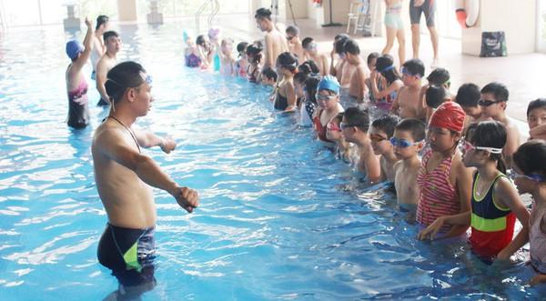 Vận động toàn dân tập luyện môn bơi, phòng chống đuối nước trong năm 2019 - Ảnh 1.