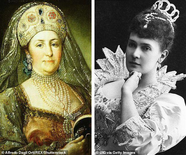 Vẻ đẹp của chiếc vòng cổ kim cương mặt ngọc lục bảo có giá 98 tỷ đồng - Ảnh 2.