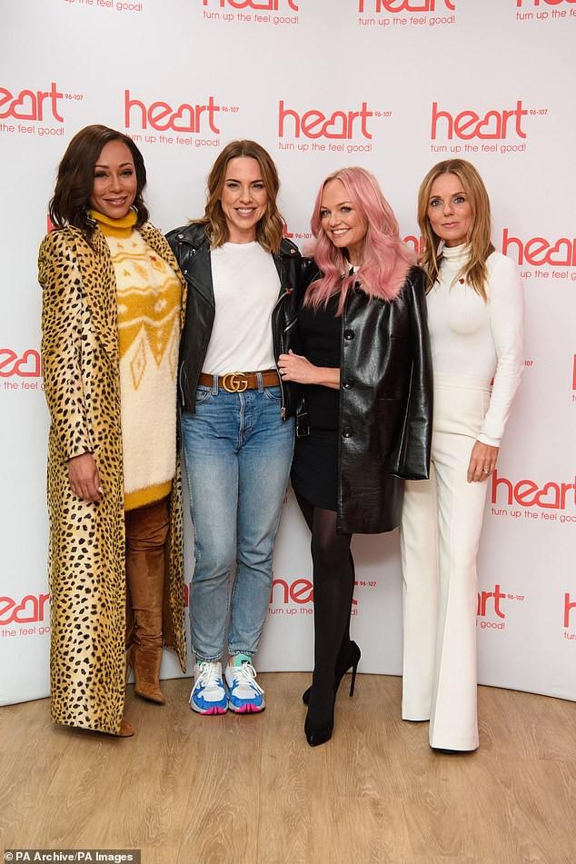 Cựu thành viên Spice Girls đột ngột mất thị lực - Ảnh 1.