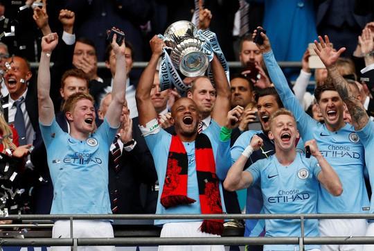Vùi dập Watford, Man City đoạt ngôi vô địch FA Cup - Ảnh 3.