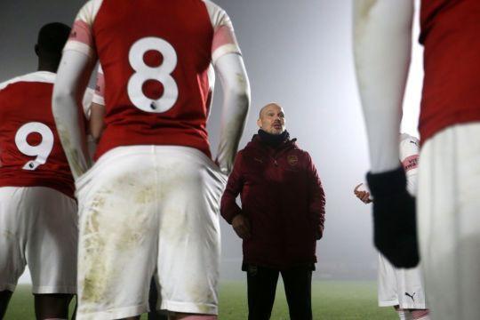 Vì cựu sao Arsenal, HLV Unai Emery muốn trảm trợ lý cũ của Arsene Wenger - Ảnh 1.