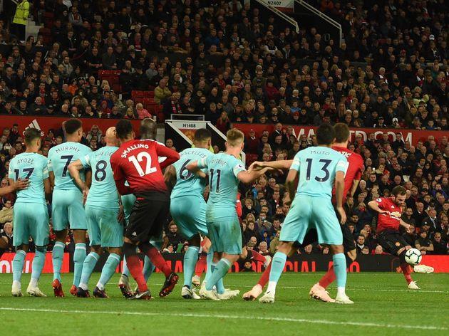 Giải Ngoại Hạng Anh mùa giải 2019/20 có gì thay đổi? - Ảnh 2.