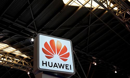 """Chia tay"" Huawei, doanh thu của Google hao hụt ra sao? - Ảnh 1."