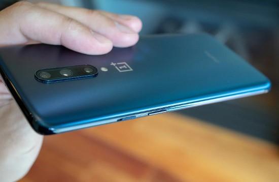 OnePlus 7 Pro vs Galaxy S10 Plus: kẻ tám lạng, người nửa cân! - Ảnh 17.
