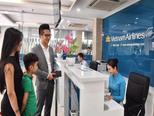 Vietnam Airlines triển khai dịch vụ làm thủ tục hàng không nhanh chóng - Ảnh 2.