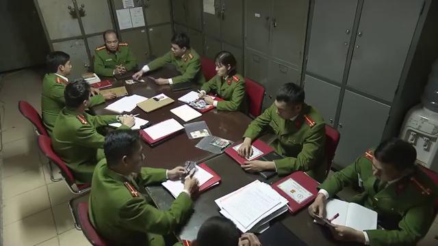 Mê cung - Tập 5: Làm luật sư cho Nhật, Đông Hòa (Việt Anh) bất ngờ đối đầu Khánh (Hồng Đăng) - Ảnh 4.
