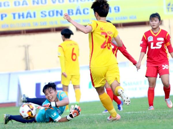 Giải bóng đá nữ VĐQG 2019: TP Hồ Chí Minh I đại thắng trận ra quân - Ảnh 2.