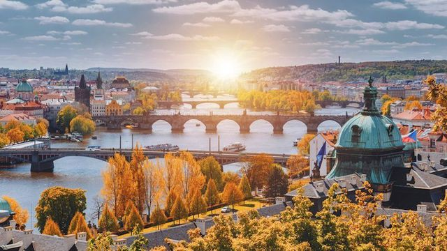 15 thành phố xinh đẹp nhất châu Âu - Ảnh 1.