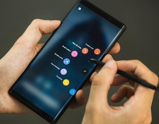Top 6 smartphone nổi bật của Samsung hiện giờ - Ảnh 2.