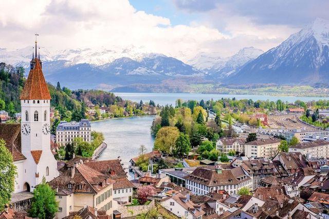 15 thành phố xinh đẹp nhất châu Âu - Ảnh 3.