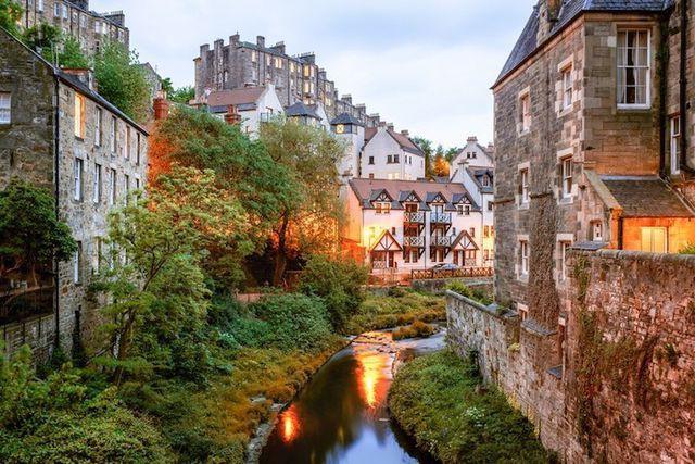 15 thành phố xinh đẹp nhất châu Âu - Ảnh 8.