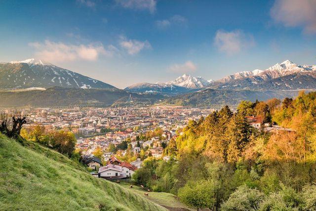 15 thành phố xinh đẹp nhất châu Âu - Ảnh 9.