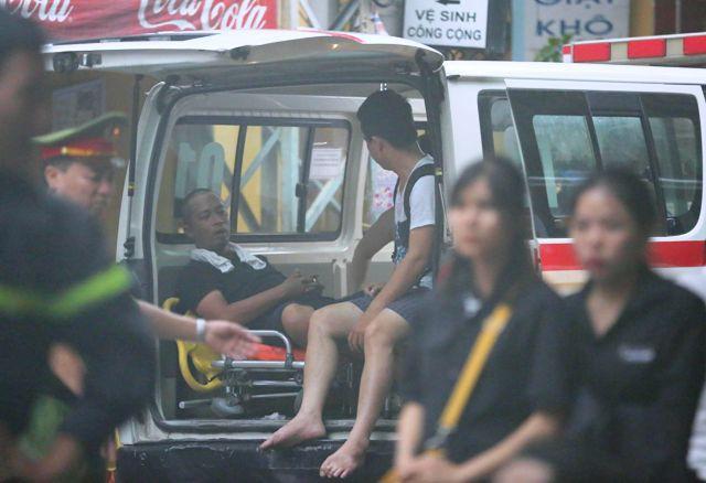 Cháy khách sạn tại quận Hoàn Kiếm, 30 người kịp thời thoát thân - Ảnh 4.