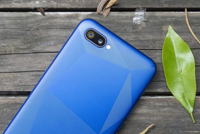 Realme C2 lên kệ với giá chỉ từ 2,79 triệu đồng: Thiết kế giọt nước, camera kép, pin 4.000 mAh - Ảnh 2.