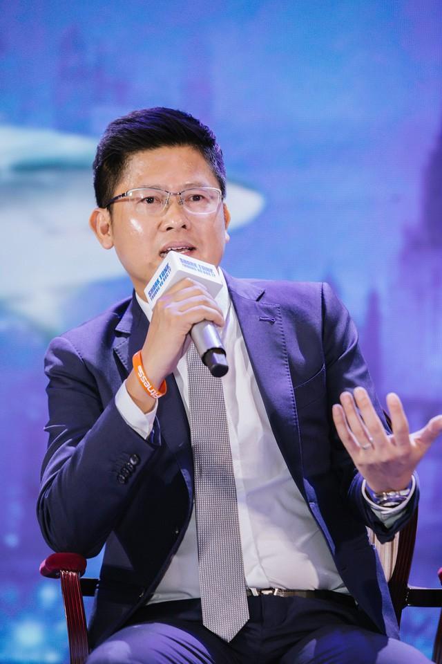 Shark Dzung Nguyen.