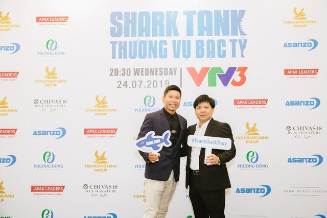 Shark Thuy (right).