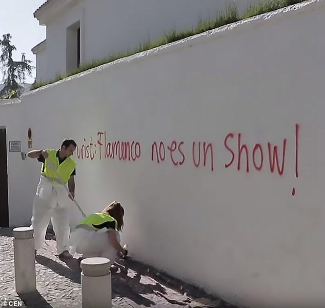 Người dân thành phố Granada không muốn tiếp khách du lịch - Ảnh 2.