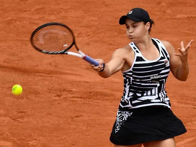Pháp mở rộng 2019: Ashleigh Barty và Marketa Vondrousova giành quyền vào chung kết - Ảnh 1.