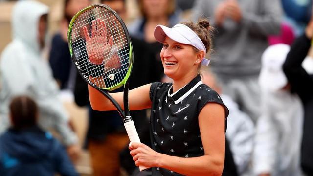 Pháp mở rộng 2019: Ashleigh Barty và Marketa Vondrousova giành quyền vào chung kết - Ảnh 2.