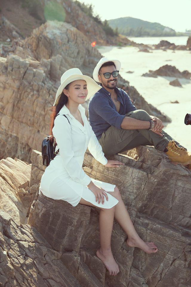 Hoa hậu Tiểu Vy bị bắt gặp dạo biển cùng trai Tây - Ảnh 8.