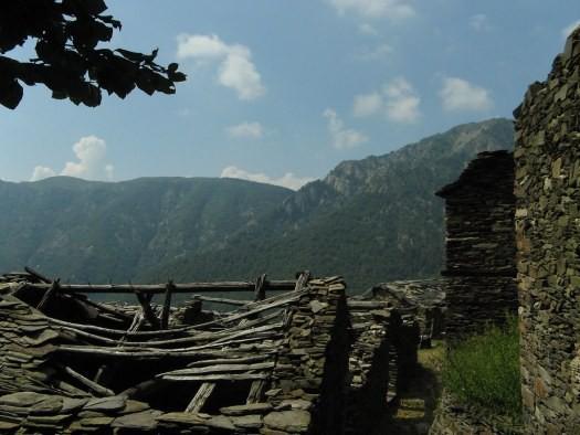 Ngôi làng Thụy Sỹ bán nhà giá 1 USD - Ảnh 2.