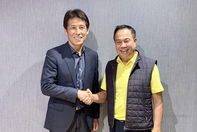 HLV Nishino phủ nhận chuyện ký hợp đồng với Thái Lan - Ảnh 1.
