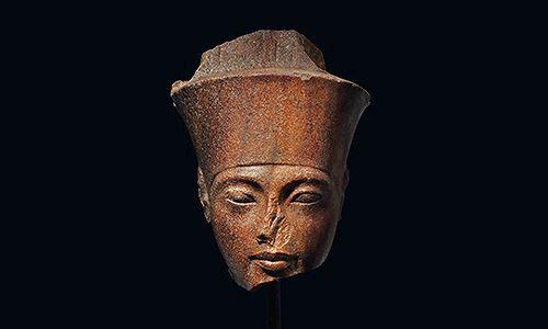 Ai Cập phẫn nộ vì đầu tượng pharaoh được đấu giá ở Anh - Ảnh 1.