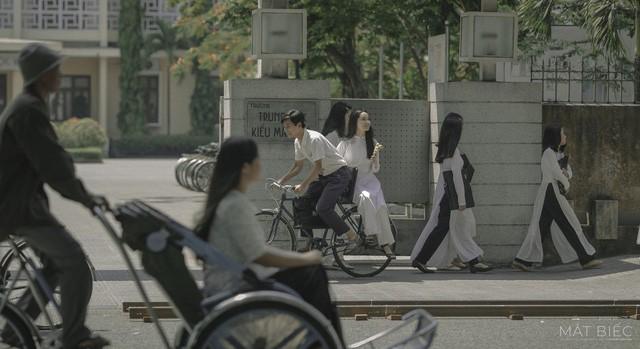 Mắt biếc tung teaser poster khiến khán giả tò mò - Ảnh 2.