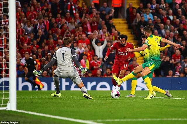 Liverpool 4-1 Norwich City: Ra quân tưng bừng, trụ cột chấn thương - Ảnh 1.