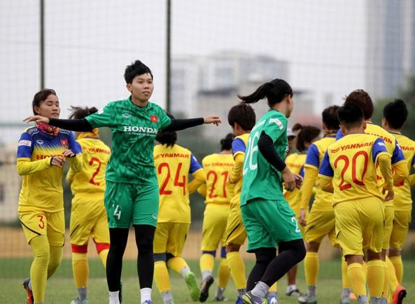 HLV Mai Đức Chung chốt danh sách chính thức ĐT nữ Việt Nam tham dự giải vô địch nữ ĐNA 2019 - Ảnh 1.