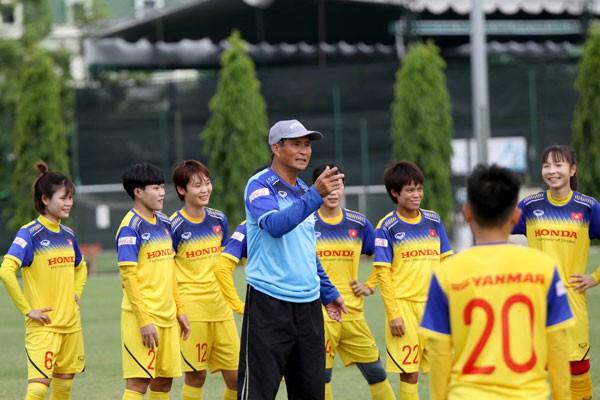 HLV Mai Đức Chung chốt danh sách chính thức ĐT nữ Việt Nam tham dự giải vô địch nữ ĐNA 2019 - Ảnh 2.