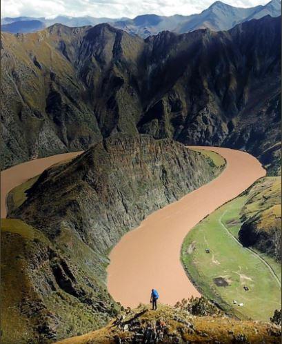 Nhà thám hiểm đầu tiên chinh phục con sông dài nhất Châu Á - Ảnh 2.