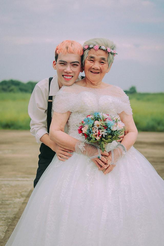 Xúc động với chàng trai 10X hóa chú rể giúp bà nội 88 tuổi làm cô dâu - Ảnh 12.