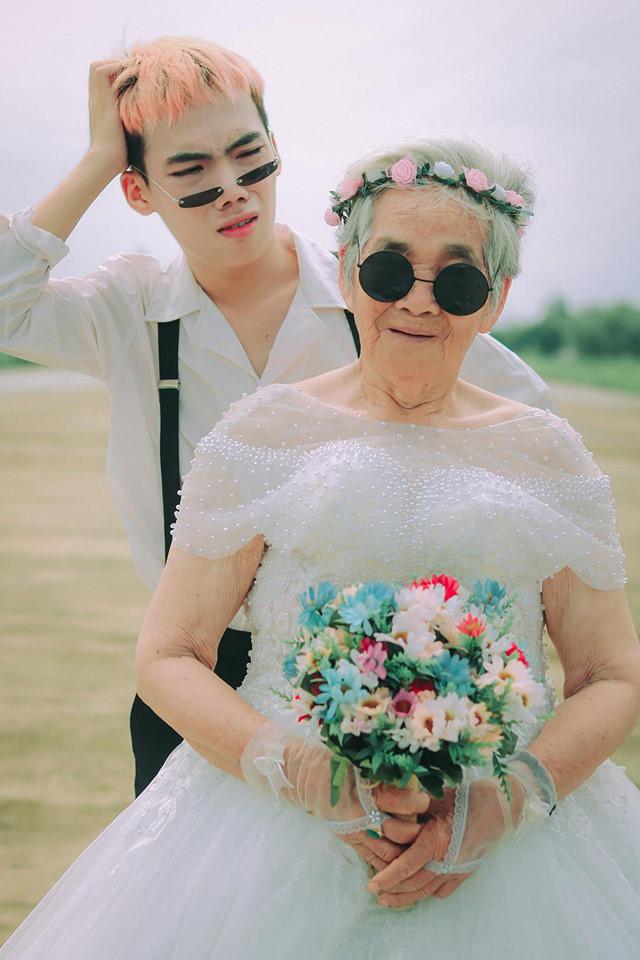 Xúc động với chàng trai 10X hóa chú rể giúp bà nội 88 tuổi làm cô dâu - Ảnh 3.