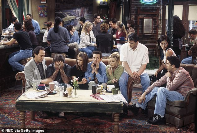 Kỷ niệm 25 năm phát sóng, sitcom nổi tiếng Friends sẽ được chiếu trên màn ảnh rộng - Ảnh 1.