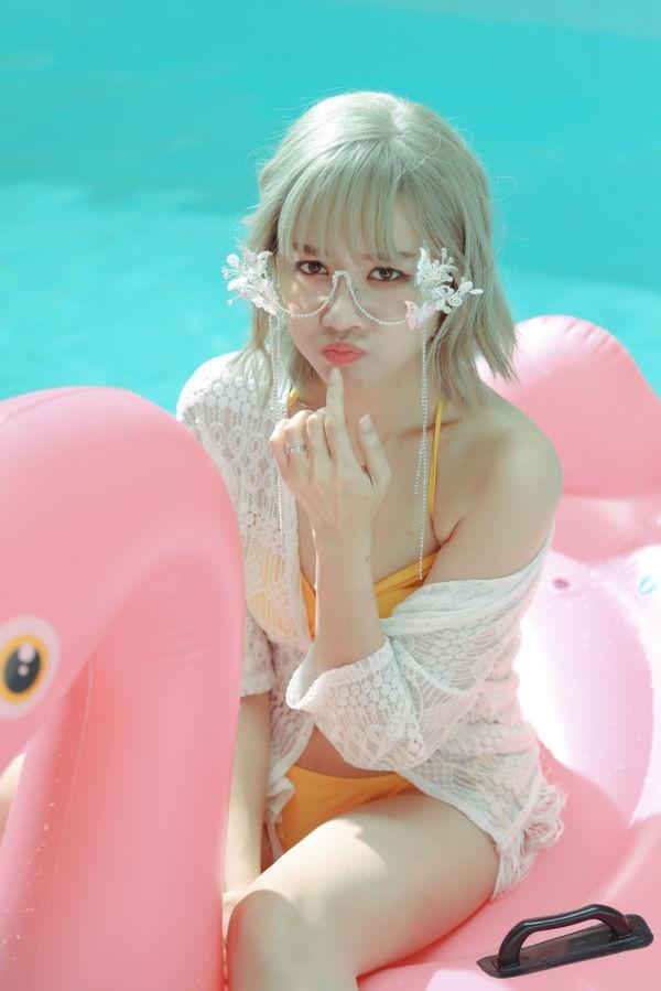 Lần đầu hợp tác cùng ông xã Trấn Thành, Hari Won ra mắt ca khúc mùa hè sôi động - Ảnh 4.