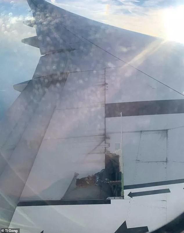 Hoảng hốt khi cánh máy bay rách toạc ở trên không - Ảnh 1.