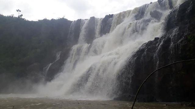 Gia Lai: Tìm thấy thi thể 3 người mất tích ở thác nước - Ảnh 1.
