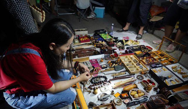 """Có gì ở """"chợ ma"""" giữa lòng Trung Quốc? - Ảnh 3."""