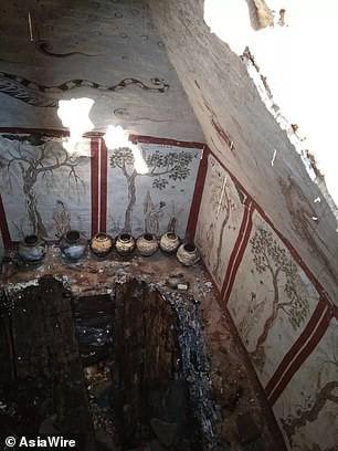 Phát hiện ngôi mộ hoàng gia 1.300 tuổi bị chôn vùi dưới sân trường tiểu học - Ảnh 5.