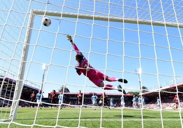 Thắng đậm Bournemouth, Man City áp sát Liverpool - Ảnh 3.