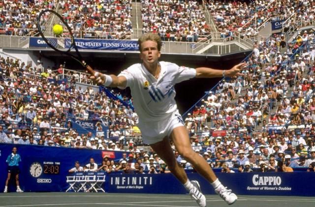 Huyền thoại giao bóng, lên lưới là thần tượng của Roger Federer - Ảnh 1.