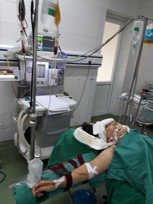 Chuyển hơn 200 đơn vị máu cấp cứu nạn nhân tai nạn giao thông tại Hưng Yên - Ảnh 2.