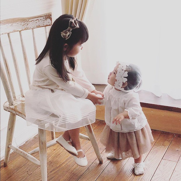 Con gái thứ nhà Eugene - Ki Tae Young lần đầu lộ diện - Ảnh 5.