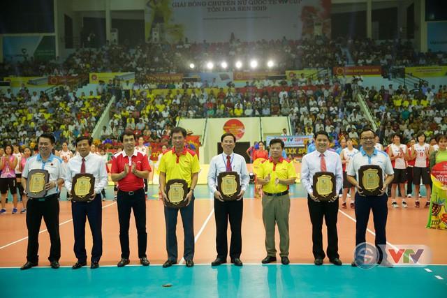 Ảnh: Những khoảnh khắc ấn tượng trong Lễ khai mạc Giải bóng chuyền nữ Quốc tế VTV Cup Tôn Hoa Sen 2019 - Ảnh 20.