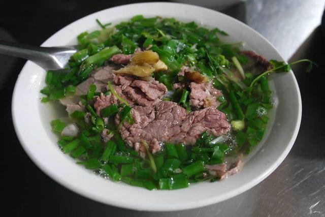 """10 món ngon khó cưỡng ở Hà Nội, đến khách Tây cũng """"mê như điếu đổ"""" - Ảnh 1."""