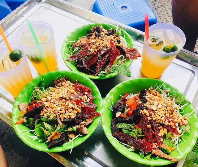"""10 món ngon khó cưỡng ở Hà Nội, đến khách Tây cũng """"mê như điếu đổ"""" - Ảnh 9."""
