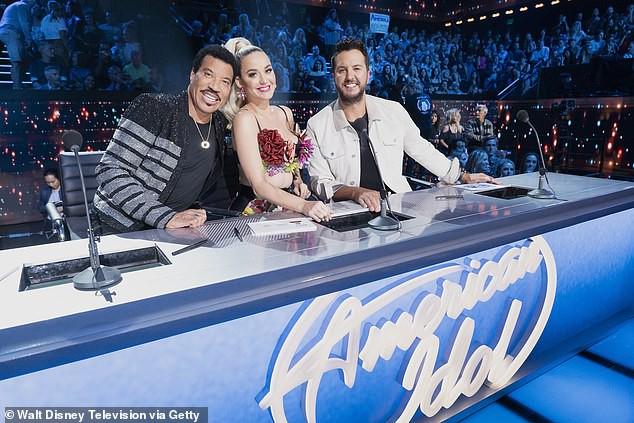 Bộ ba giám khảo quyền lực sẽ chính thức quay lại American Idol mùa tới - Ảnh 1.
