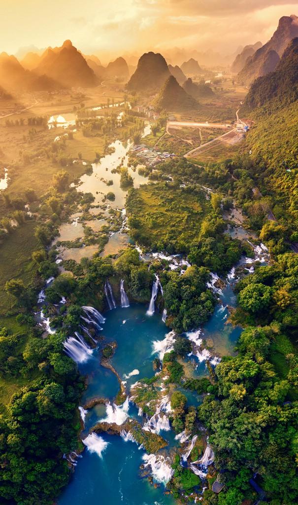 Ảnh Thác Bản Giốc đoạt giải Nhất cuộc thi ảnh Việt Nam nhìn từ trên cao - Ảnh 1.