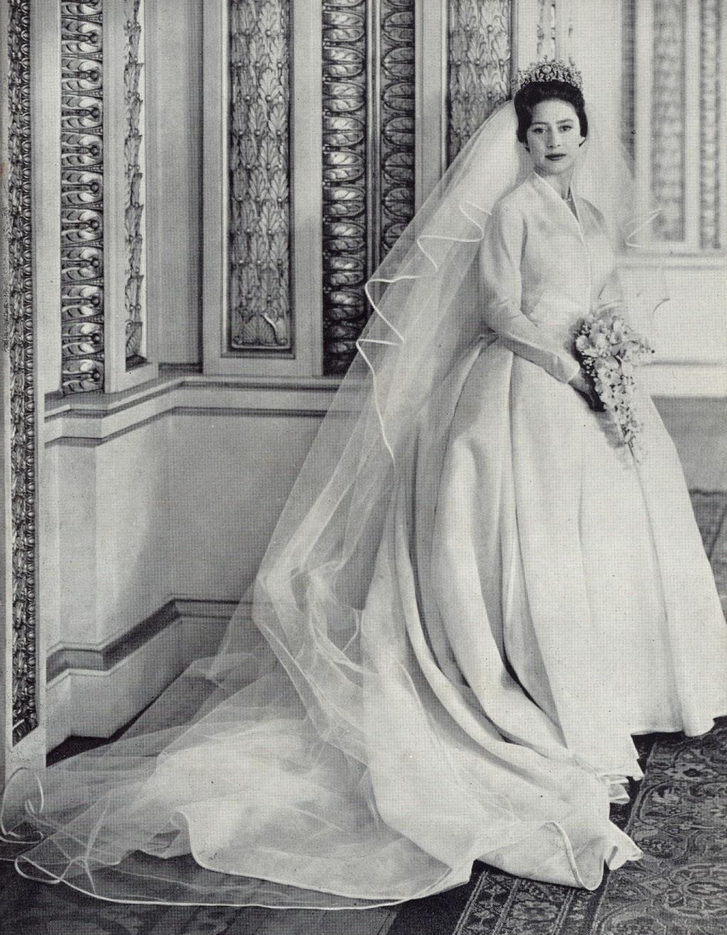 Xu hướng váy cưới và sự thay đổi của thời trang trong 100 năm qua - Ảnh 1.